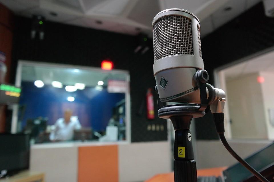 start your own internet radio station - hardware